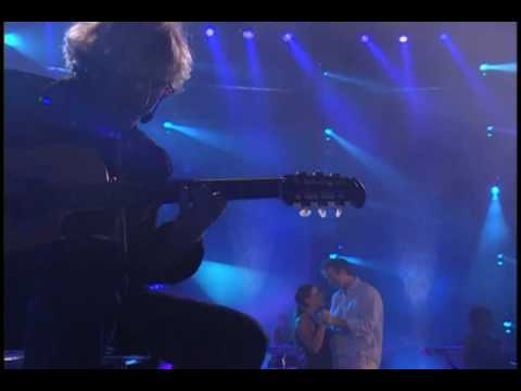 Download Shania Twain - When you kiss me [Up! Live in Chicago 7 of 22].flv