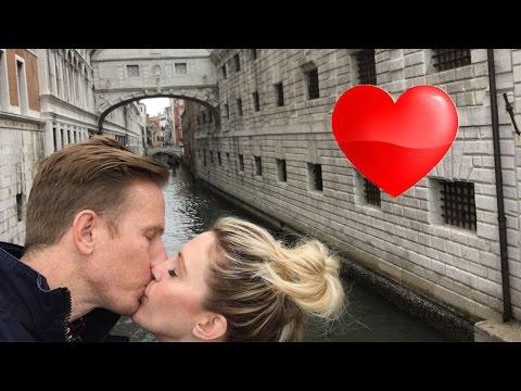 Romantic Gondola Ride in Italy! (Travel vlog)