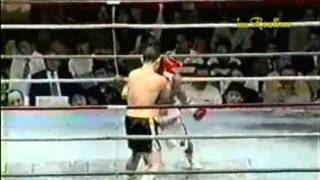 vuclip 19-yr-old Manny Pacquiao vs Japanese Fighter (Funny)