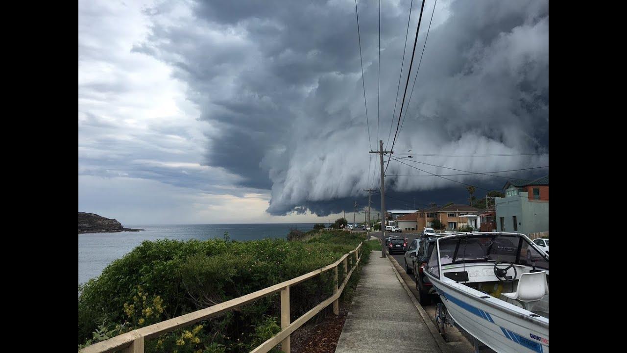 Sydney Storm Watch Bondi Beach Cloud Tsunami Roll Into