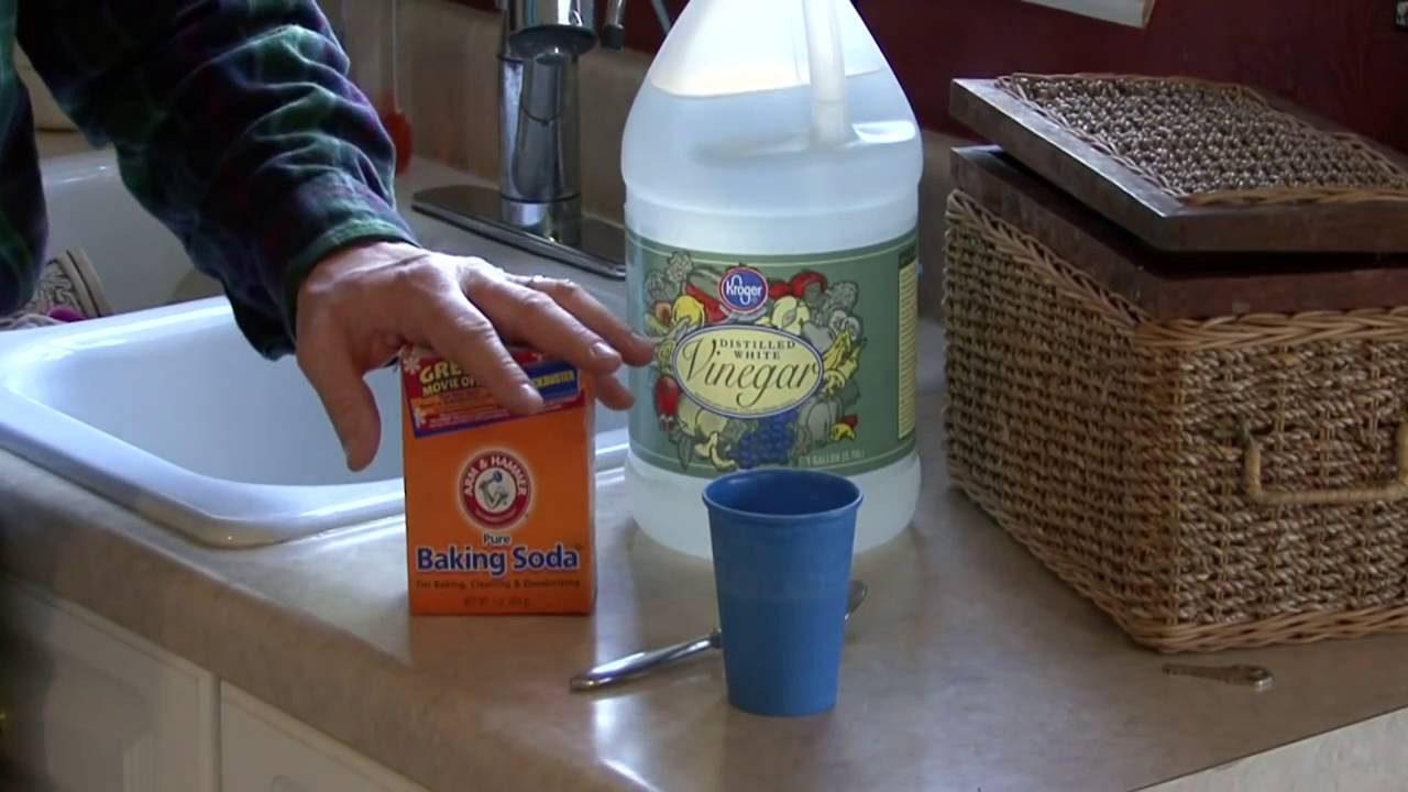 How to unclog a bathroom sink with baking soda -