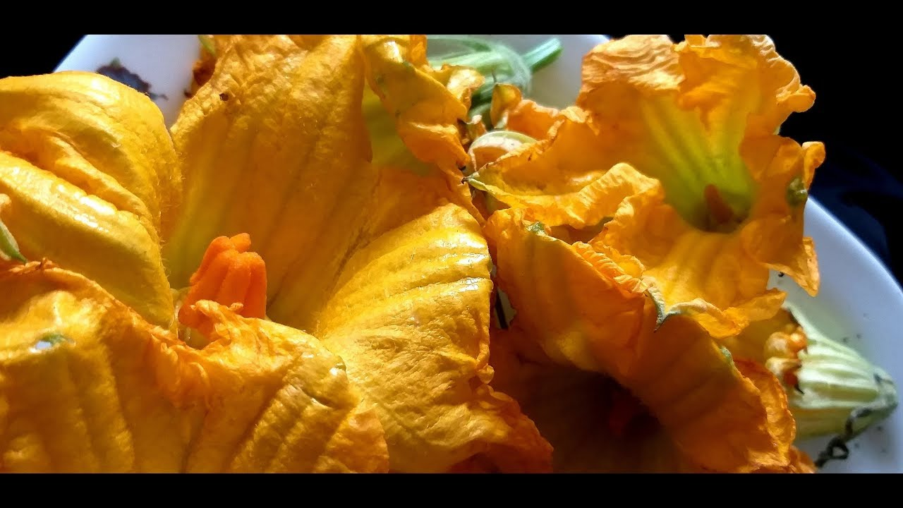 सीताफल के फूल की पकौड़ी //Seetaphal  ke phool ki pakode //Recipe Of Custurd Apple
