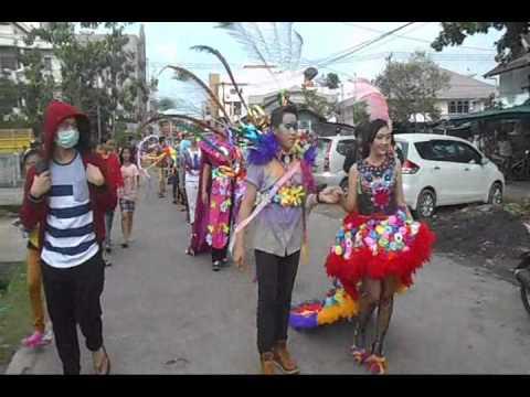 Drum Band dan Fashion Road 2014