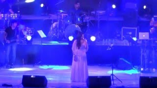 Munbe vaa ....awesome song live by shreya ghoshal at chennai concert