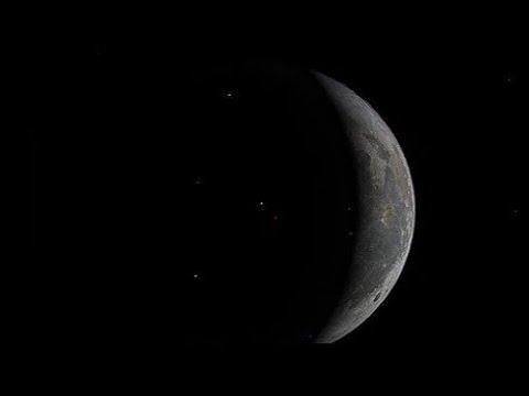 Сквозь луну видны звезды. Почему?