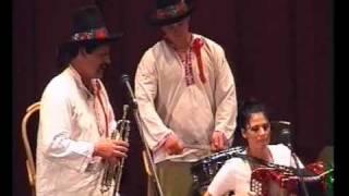 Heligonka, Dva roky tomu a Sedí panna v komůrce  zpívá Eva Jurošková   Ondrušková v Rožnově pod Radhoštěm v roce 2000 spolu s tatínkem a bratrem