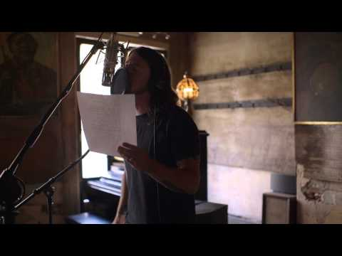Foo Fighters - Inside the Recording of Sonic Highways - In The Clear (excerpt)