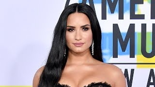 Demi Lovato Brings SURPRISE Guest As Date To 2017 AMAs