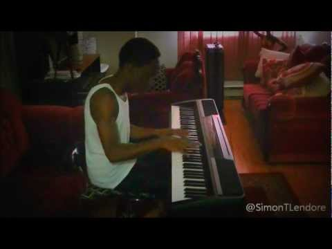 Super Bass - @NickiMinaj ft @EsterDean Piano Cover by @SimonTLendore