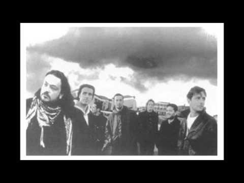 Modena city ramblers - La locomotiva 10/18 (live Torino 1996 ft. Paolo Rossi)