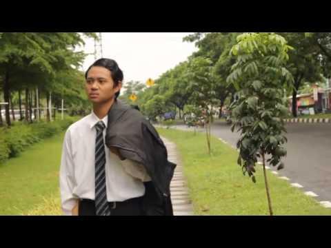 Video Clip Sarjana Muda - Iwan Fals (COVER)
