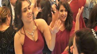 الرقص على أغنية (  بتنادينى تانى ليه  ) يشعل القاعه مع فنان الصعيد محمد البنجاوى وفرقته