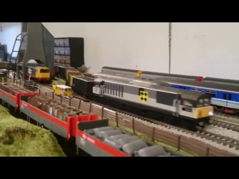 Heljan Class 58 Running Session with Bachmann Class 411