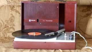 "Philips 22GF210 , Nederland 1968-1971: ""Ensi suudelma"""