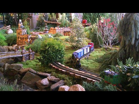 James Burlander - A Model Train Goes Green - Powered By Plants, Leaves, and Bark! (Video)