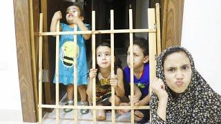 الام حبست الجميع