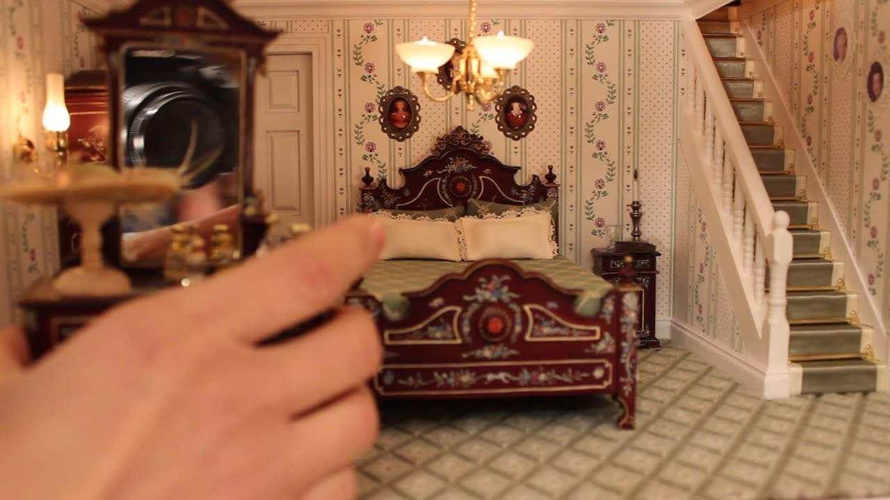 Tutorial how to make a Doll house: 1) Put the furniture ...