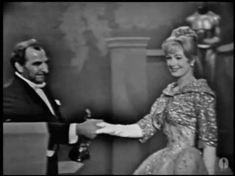Shirley Jones winning Best Supporting Actress
