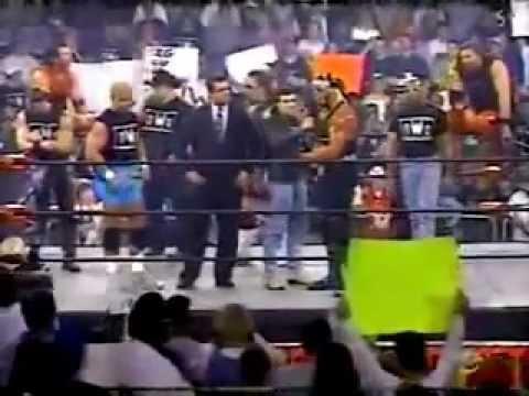 Randy Savage confronts Hollywood Hogan - WCW Monday Nitro - 2/16/98