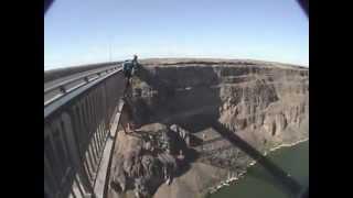 Фатальные прыжки с парашютом.