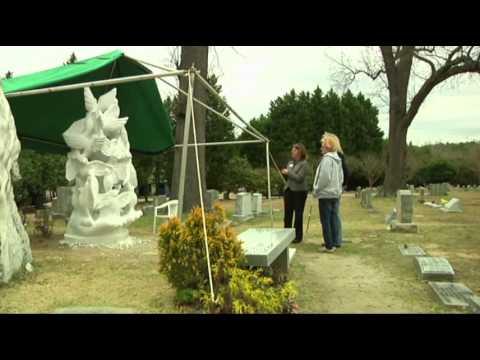 elizabeth edwards grave