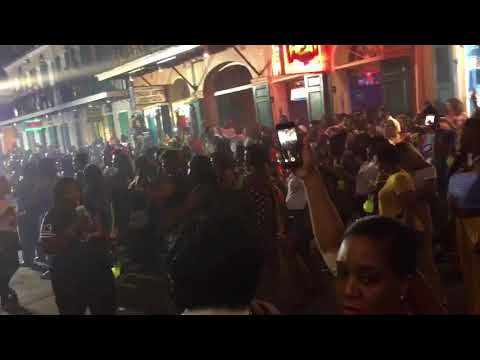 Watch: Dozens do the Electric Slide on Bourbon Street during Essence Fest