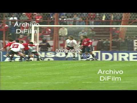 DiFilm - Estudiantes de La Plata vs Independiente - Torneo Clausura 2000