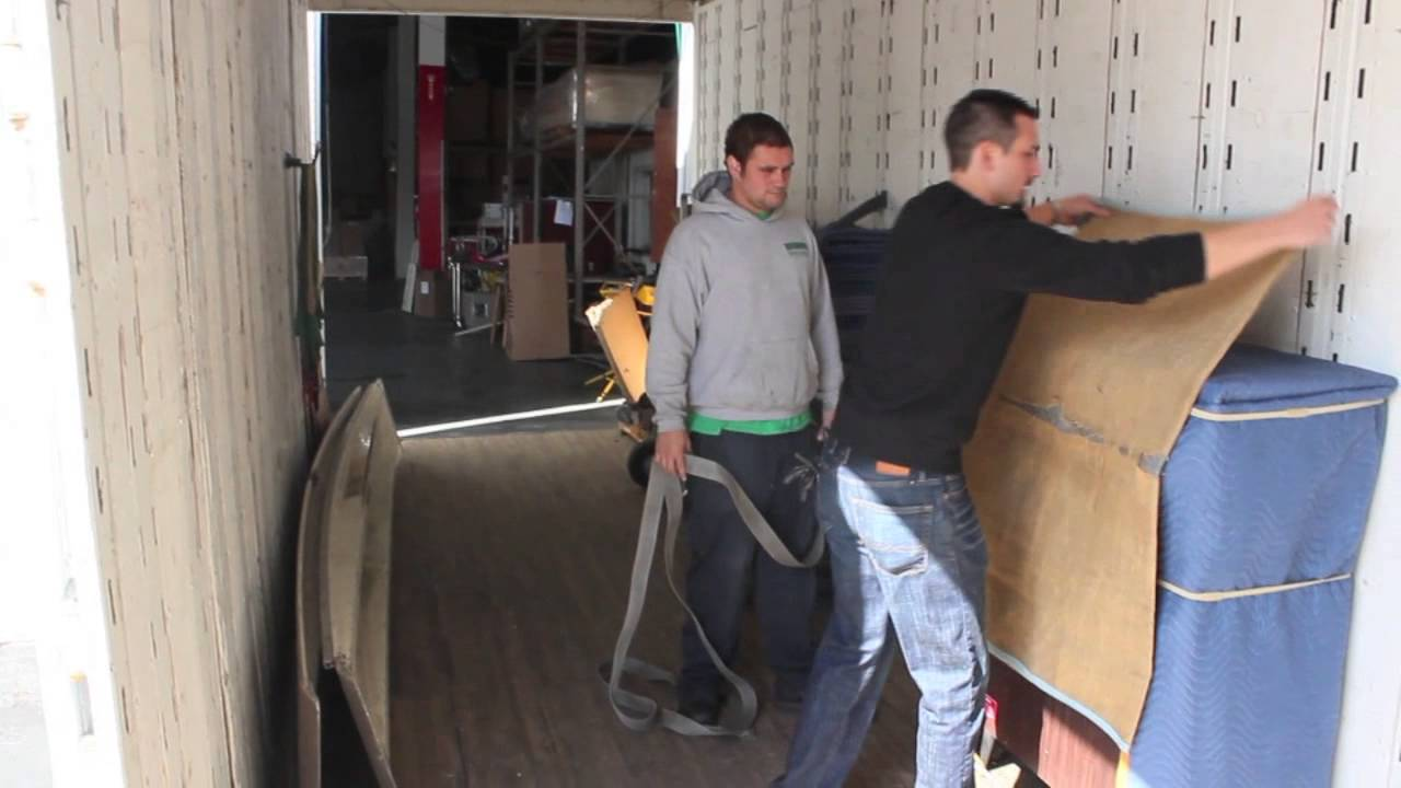 How To Strap Off A Load On A Moving Truck Using E Track
