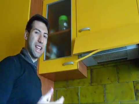 Tutorial come riparare il rivestimento della cucina o - Come pitturare i mobili della cucina ...