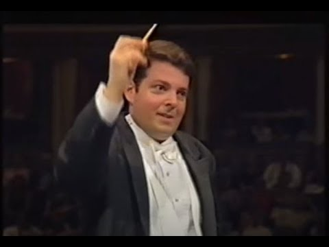 Gershwin 'Promenade' - plus 'Dallas' TV Theme - Litton / Dallas Symphony (Proms 1997)