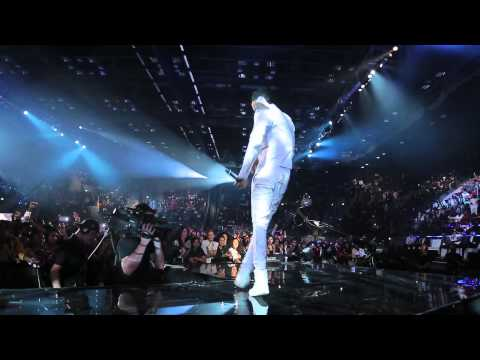 Diamond & Davido performing Number One Remix at the  MTV Music Awards 2014