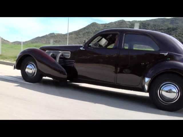 1936 Cord 810/812: The Beautiful Baby Duesenberg That Never Caught On - Jay Leno's Garage