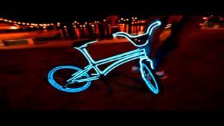 Холодный неон   BMX Tron Bike(, 2014-08-12T13:49:25.000Z)