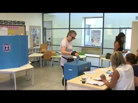 الانتخابات التشريعية الإسرائيلية: السباق على أشده بين نتانياهو والجنرال بيني غانتس  - نشر قبل 3 ساعة