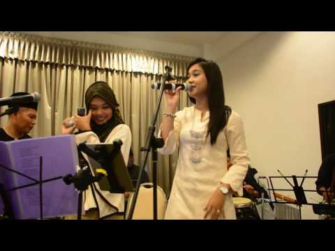 Jgn Cakap Abang Tak Payung and Bossanova (mashup)