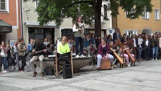 """Download Flashmob """"Skyfall"""" Adele 