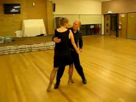 Argentine Stroll Sequence Dance
