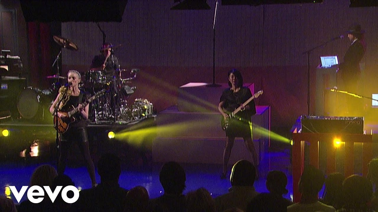 st-vincent-birth-in-reverse-live-on-letterman-stvincentvevo