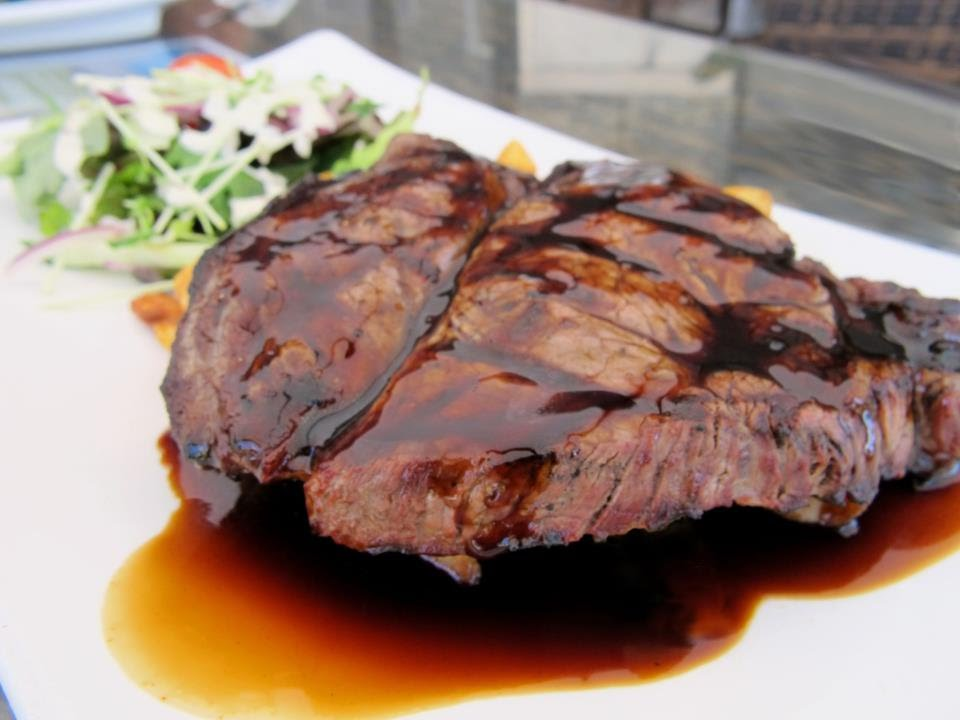 Receta de filete en salsa de chocolate y vino steak in - Filetes de carne en salsa ...