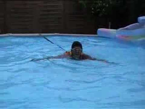 Le Harnais de piscine - YouTube