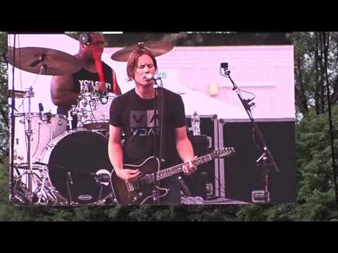 """Blew Up (The House)"" Jonny Lang 01095A"