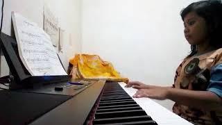 Lagu cinta untuk Mama on piano