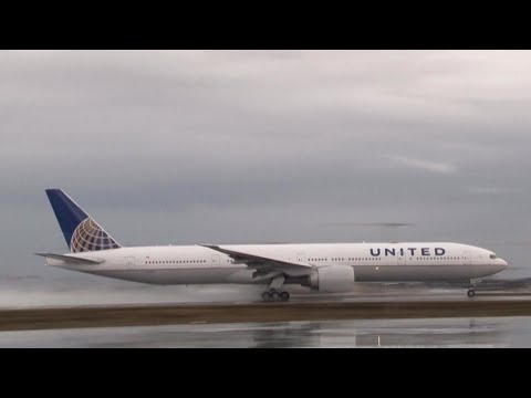 32,000 US airline