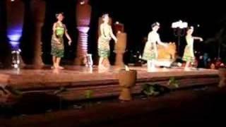 Thai nail dance