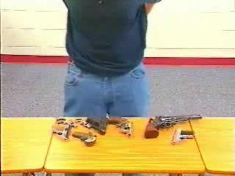 Baggy pants guns