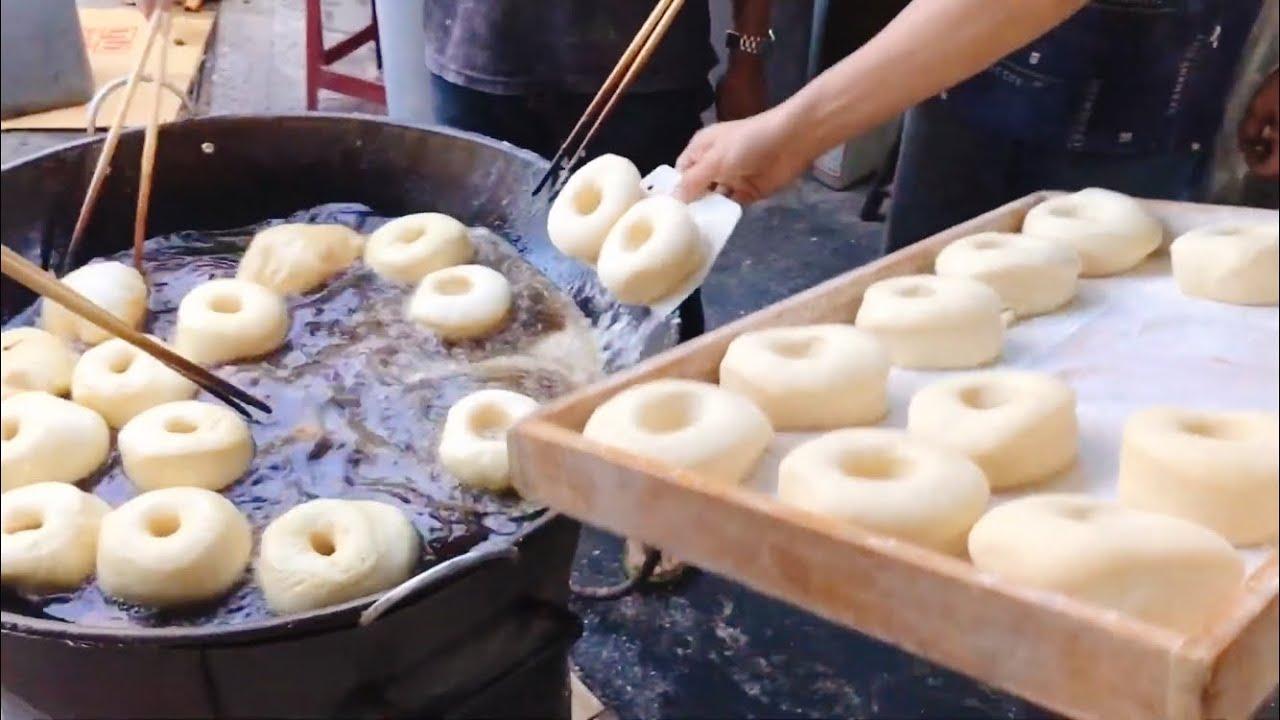 New taipei city Secret Street Food(Fried Doughnuts,Pandan Pancakes,Scallion Pancake) / 三重隱藏版街頭美食