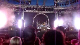 Hollywood Undead - intro + Sell Your Soul pinkpop 2009 live