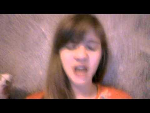 ich singe von rihanna diamonds ^-^ eure viola :*