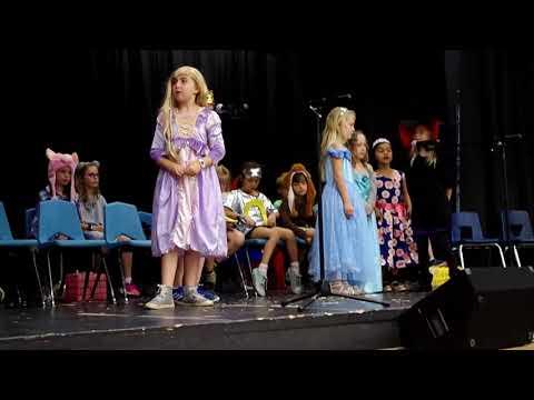 Sequoya elementary school, Scottsdale, AZ - SUSD 2018-19 batch 1st grade - stage performance
