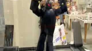 大丸・新長田店の2階特設会場で行われている『鉄人28号と昭和のくら...